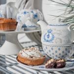 ceainic si platou pentru prajituri