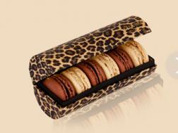 Macarons Laduree si cutie speciala pentru cadou
