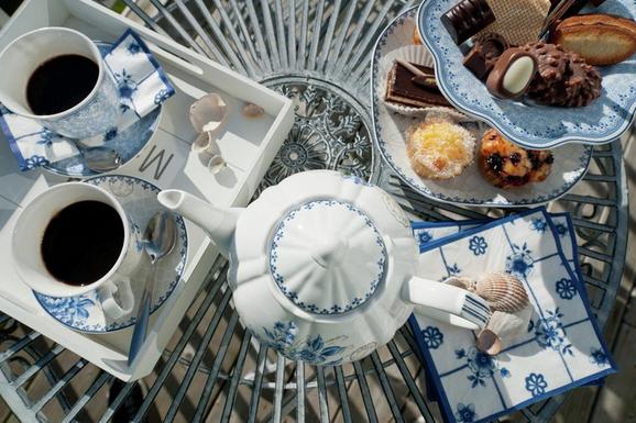 Set pentru cafea si ceai de la Ka International