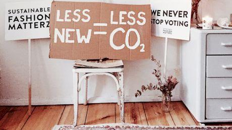 Modă circulară: viață nouă pentru hainele purtate